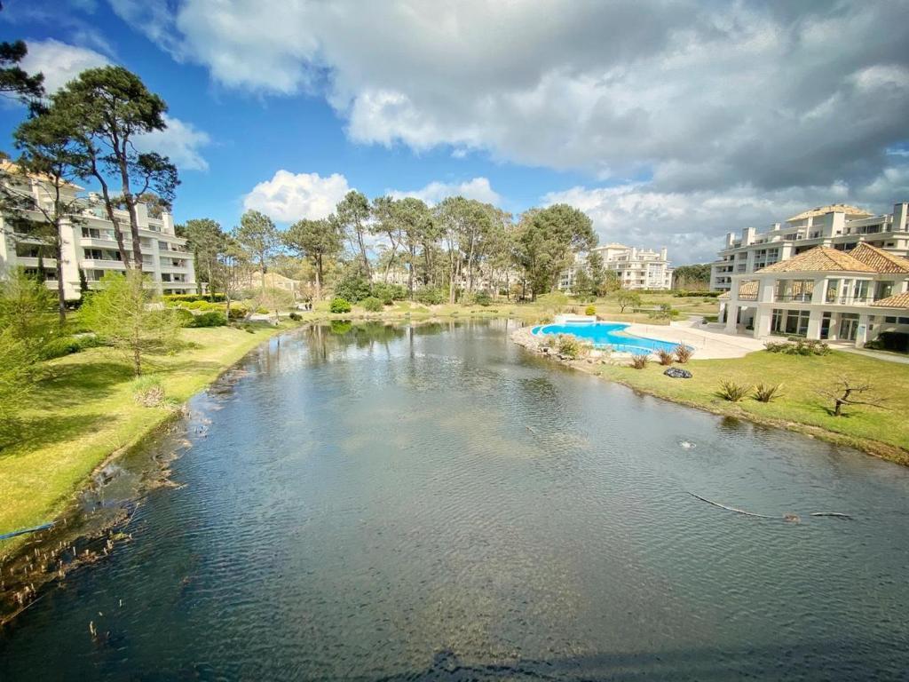 Апартаменты/квартира Solanas Green Park Punta del Este Apartamento de 2 ambientes en PB con Jardín y vista Laguna - отзывы Booking