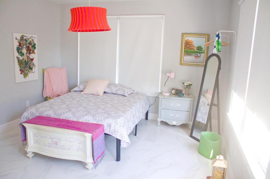 Проживание в семье  Проживание в семье  G - Colorful And Luminous Suite Near MIA (Apt 4)