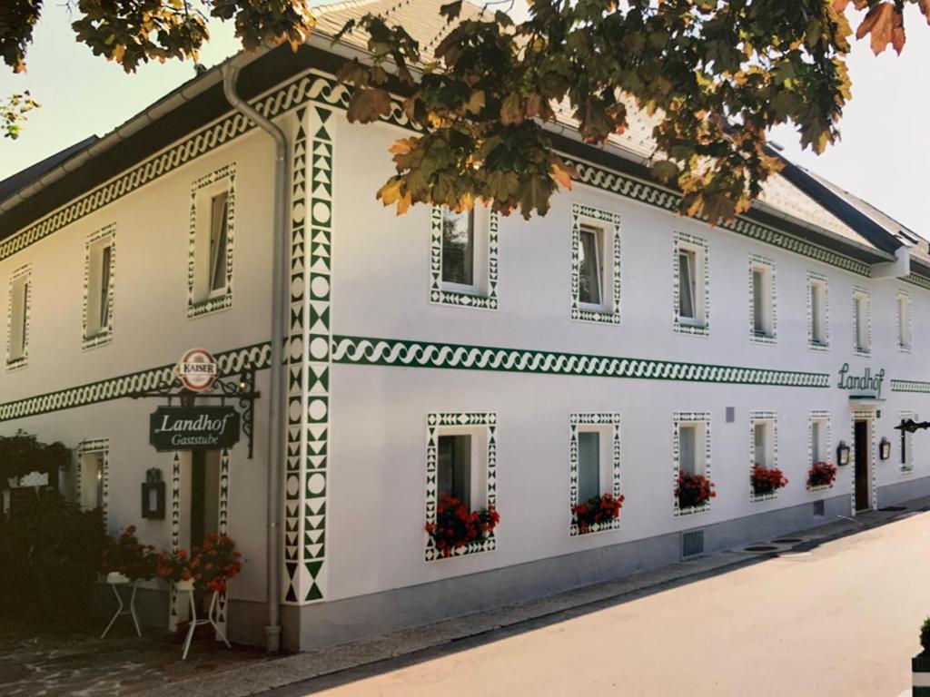 Отель  DAS LANDHOF  - отзывы Booking