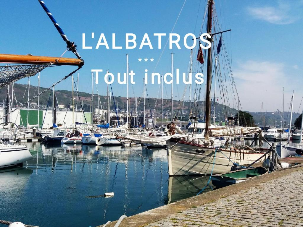 Апартаменты/квартира  L' ALBATROS vue sur le port  - отзывы Booking