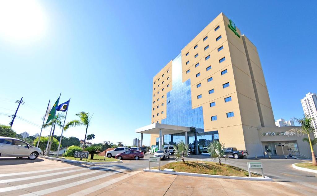 Отель  Отель  Holiday Inn Cuiaba, An IHG Hotel