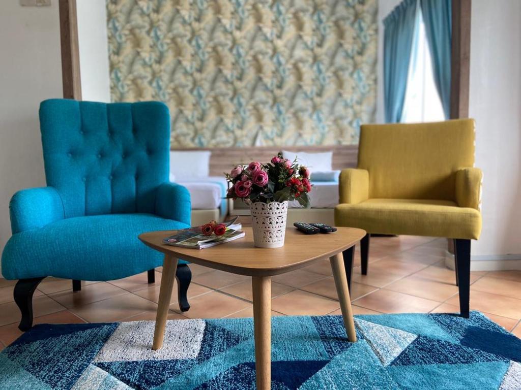Отель  Delima Suite & Apartment  - отзывы Booking
