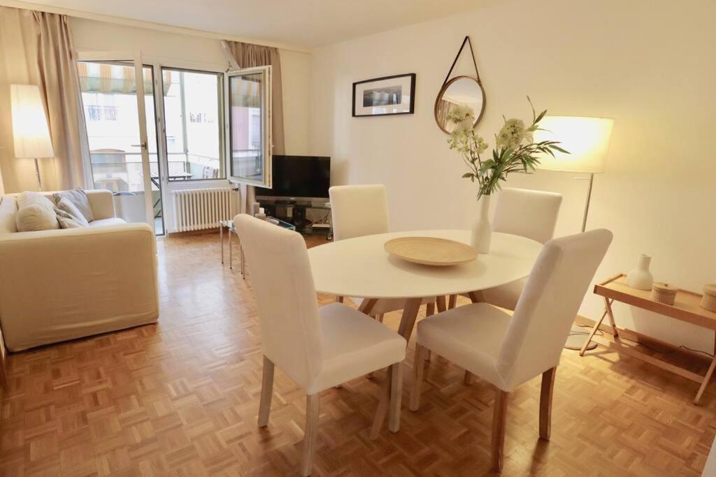 Апартаменты/квартира  Comfortable, very well located between train station and lake!  - отзывы Booking