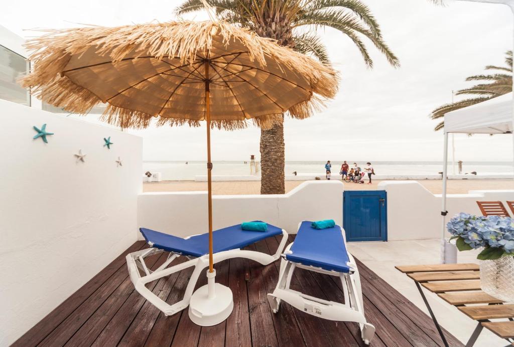 Апартаменты/квартира  Luxury Suite Sea Front III  - отзывы Booking