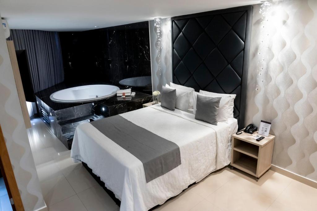 Отель  Отель  Cancún Hotel By H Hotéis - Airport