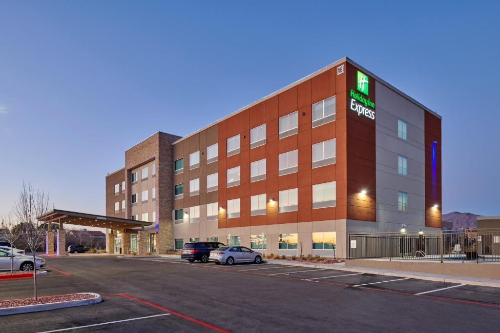 Отель Отель Holiday Inn Express - El Paso - Sunland Park Area, An IHG Hotel