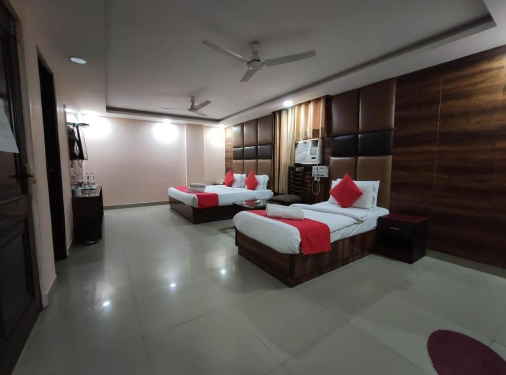 Гостевой дом  Гостевой дом  Hotel Asian Blue Near IGI Airport