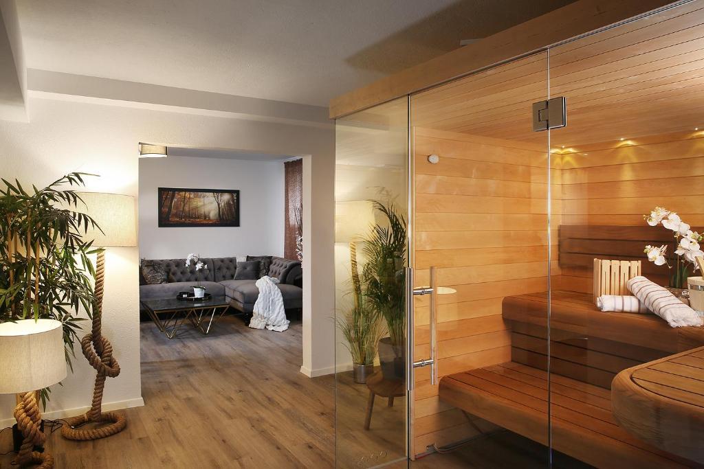 Отель типа «постель и завтрак» Private Spa LUX with Whirlpool and Sauna in Zurich - отзывы Booking