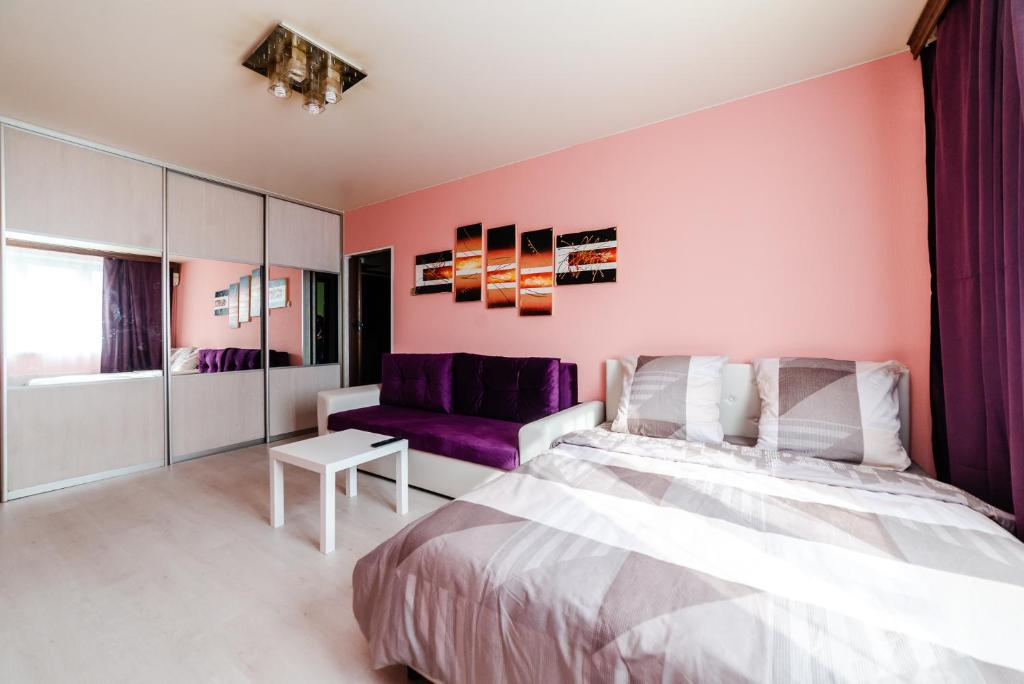 Апартаменты/квартира  018. Стильная 1-комнатная квартира с балконом у м. Славянский бульвар  - отзывы Booking