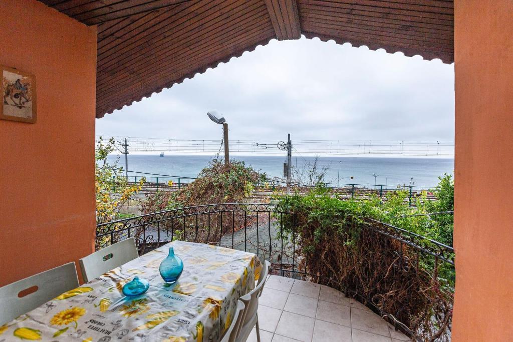 Апартаменты/квартира  Amazing House with Sea View in Bakirkoy  - отзывы Booking