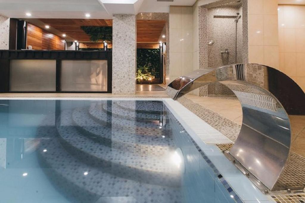 Отель  Отель Йети хаус  - отзывы Booking