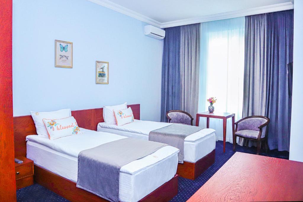 Отель  Grand Fortune Hotel