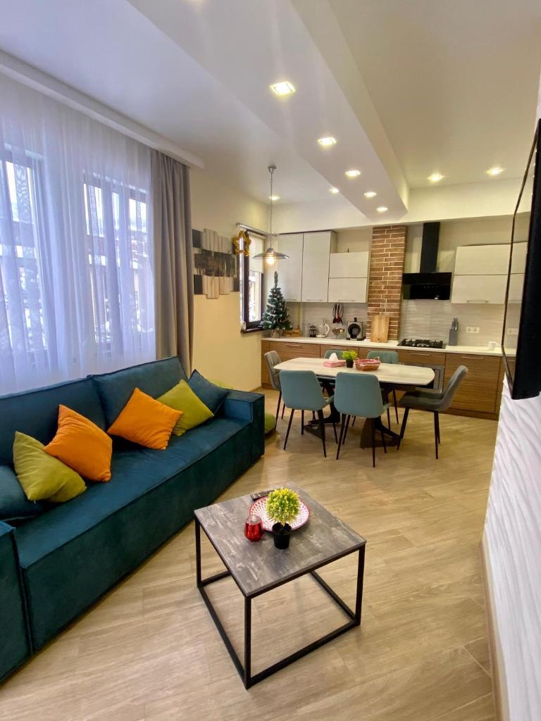 Фото  Апартаменты/квартира  3-х комнатная квартира с видом на горы в центре Эсто-Садка