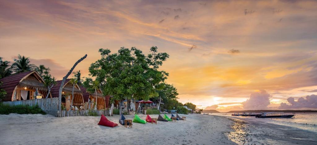 Гостевой дом  Santen Beach Bungalows  - отзывы Booking