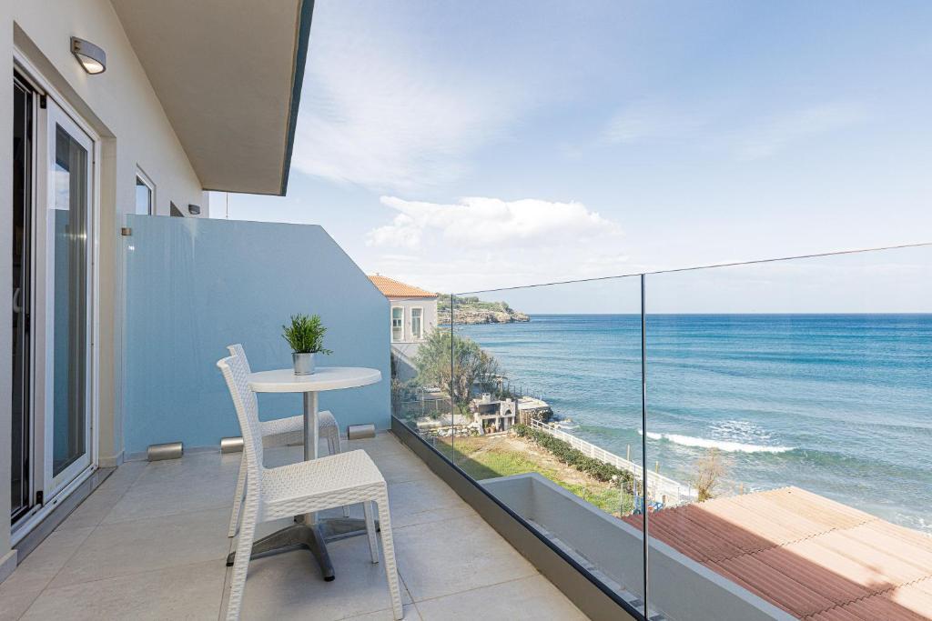 Апартаменты/квартиры Seaside Palette Suites - отзывы Booking