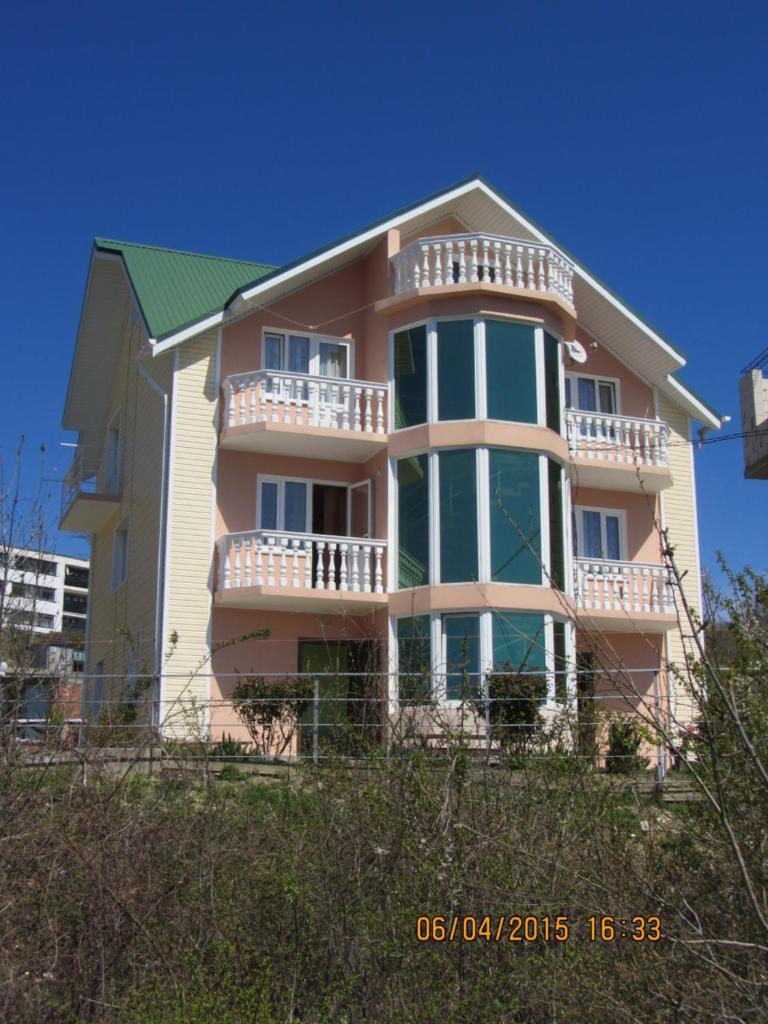 Гостевой дом  Дельфин Новомихайловский  - отзывы Booking