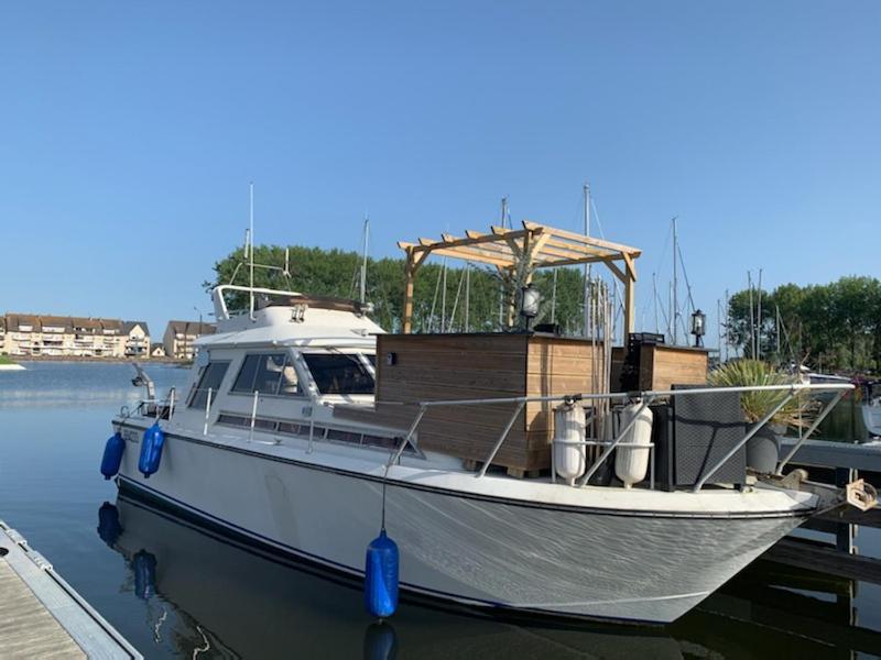 Ботель  Magnifique bateau maison  - отзывы Booking
