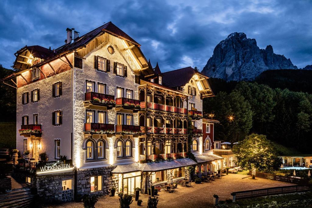 Отель  Grand Hotel Wolkenstein