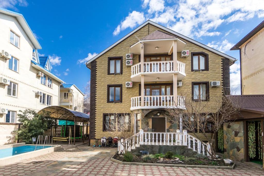 Гостевой дом Семейный отель Березка - отзывы Booking