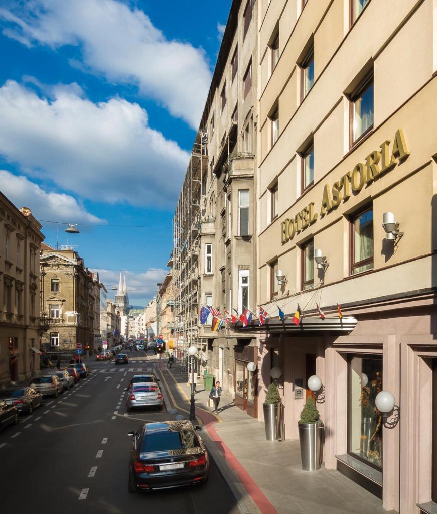Отель  Best Western Premier Hotel Astoria  - отзывы Booking