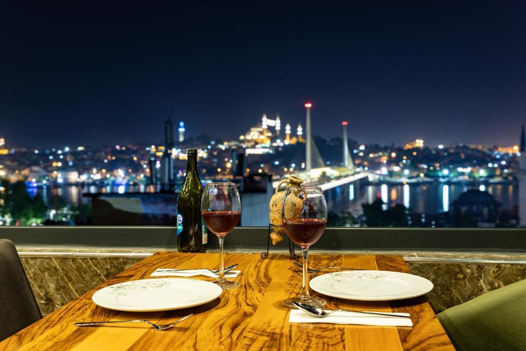 Отель  New Galata Istanbul Hotels  - отзывы Booking