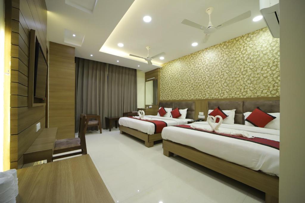 Отель  Отель  Hotel S.s Royal
