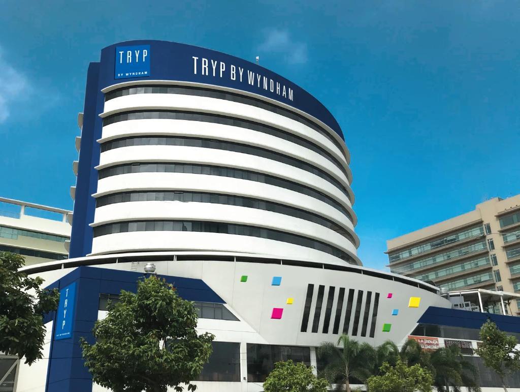 Отель Отель TRYP By Wyndham Guayaquil