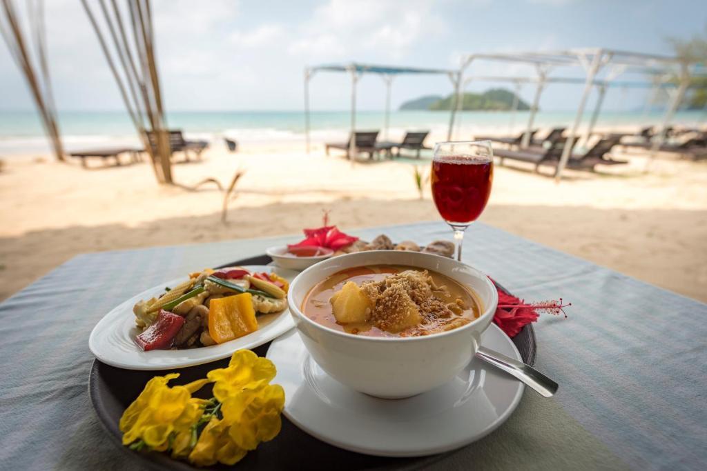 Отель  Sabai Beach Resort  - отзывы Booking