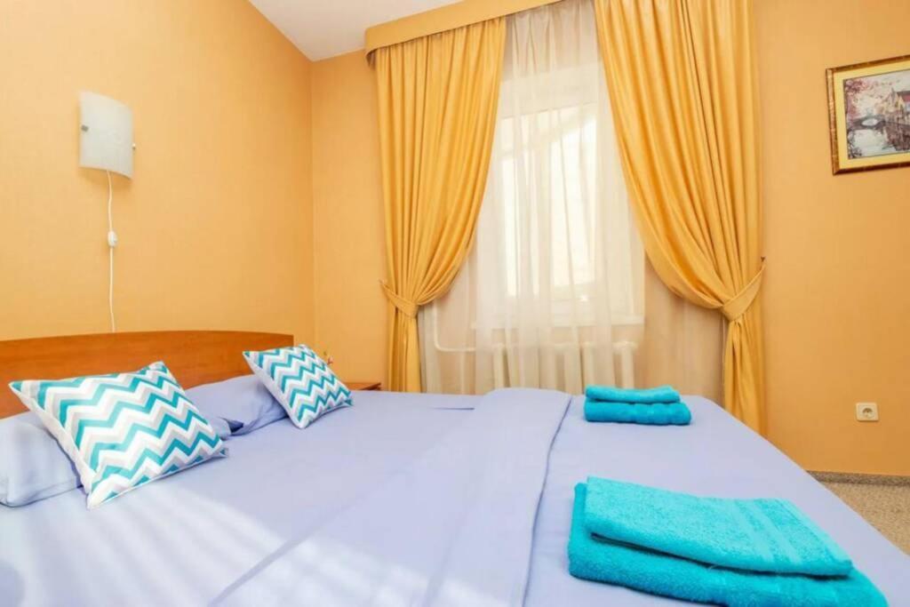 Апартаменты/квартира  Теплая однокомнатная квартира в центре города!  - отзывы Booking