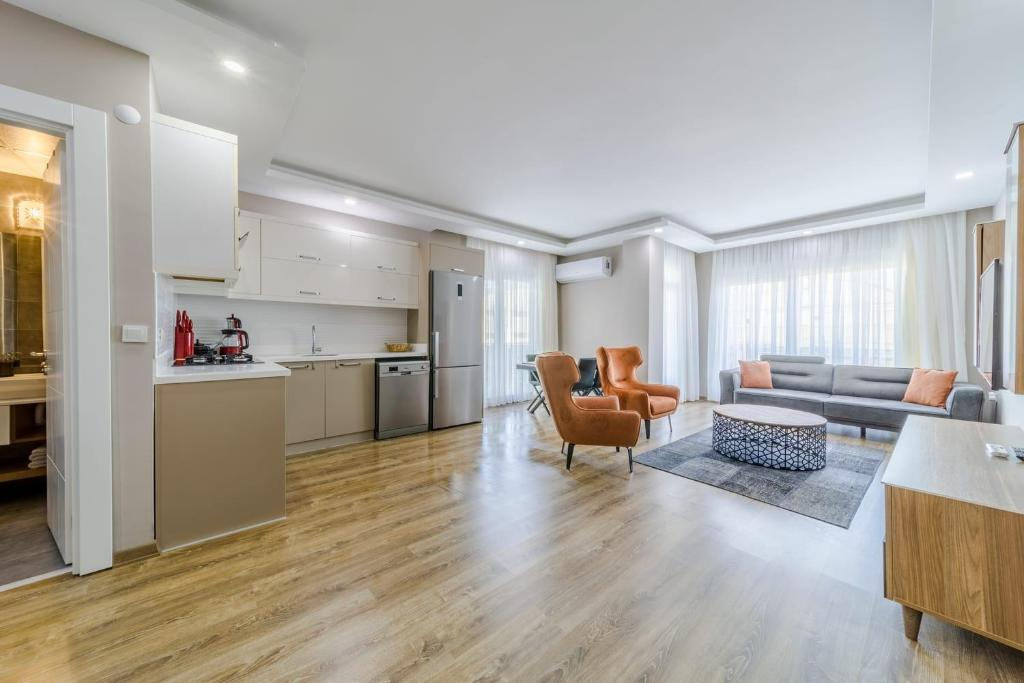 Апартаменты/квартира  Central Apartment With Shared Pool In Muratpasa