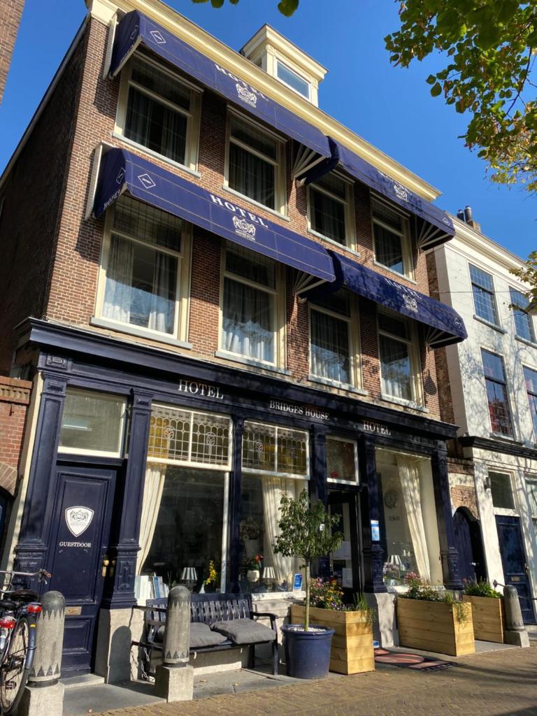 Отель Hotel Bridges House Delft - отзывы Booking