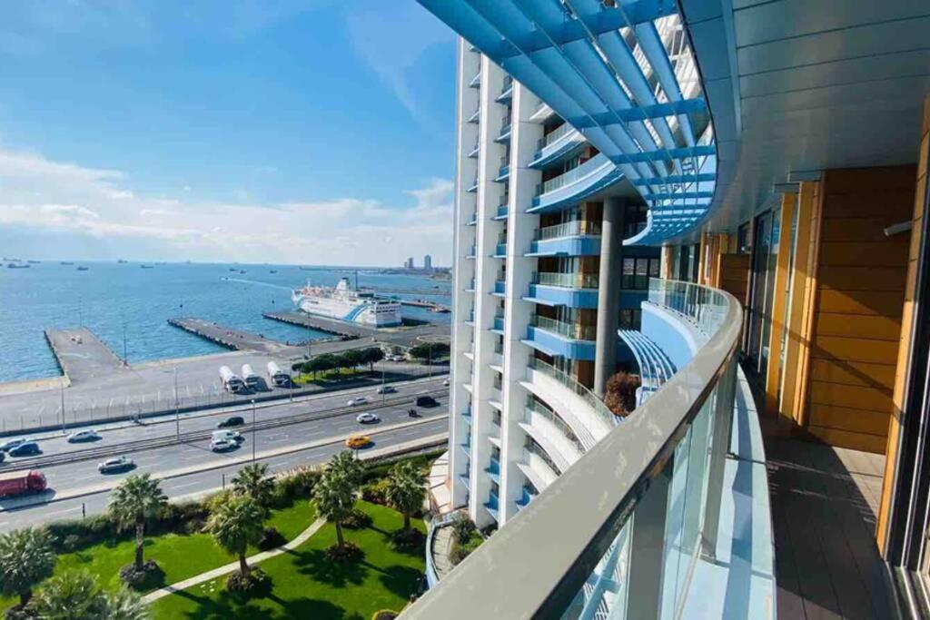 Апартаменты/квартира  Lux 2 Room Suite Apartment With Seaview In Center