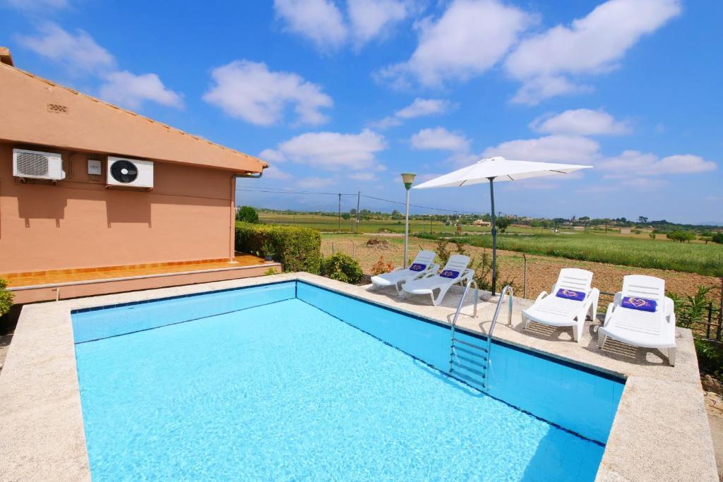 Дом для отпуска  Es Viola