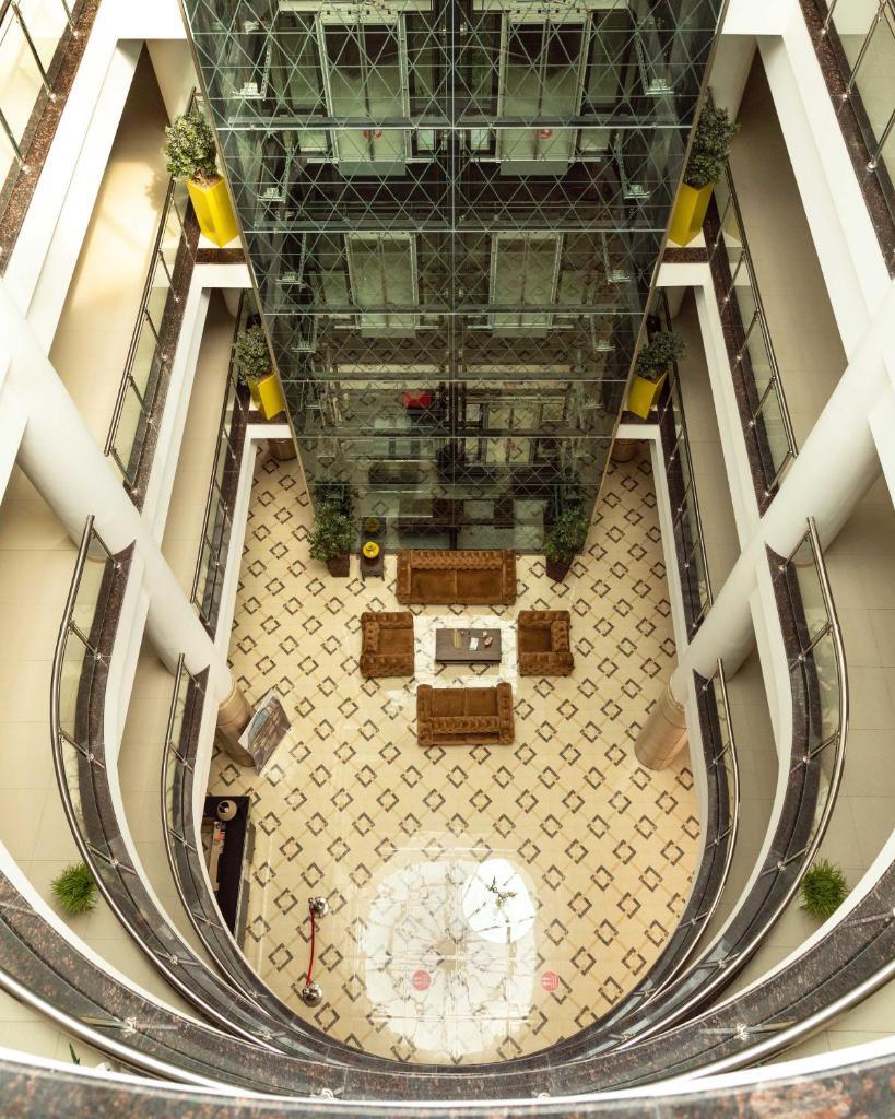 Отель  West Shine Hotel  - отзывы Booking