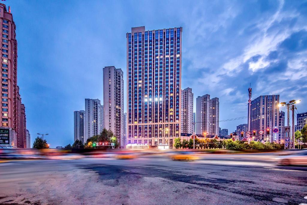 Отель  Отель  Mercure Harbin West Railway Station