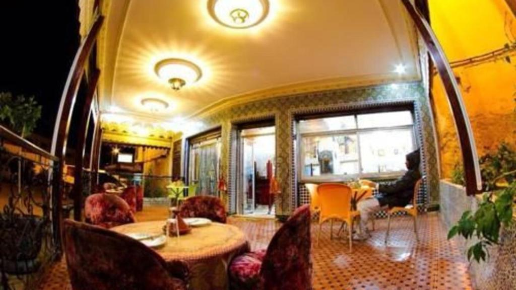 Отель Отель Hotel Tijanii