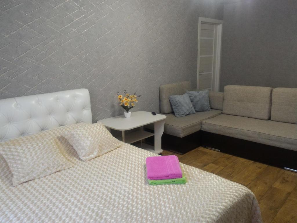 Апартаменты/квартира  Квартира 2-комн в центре города Шуя  - отзывы Booking