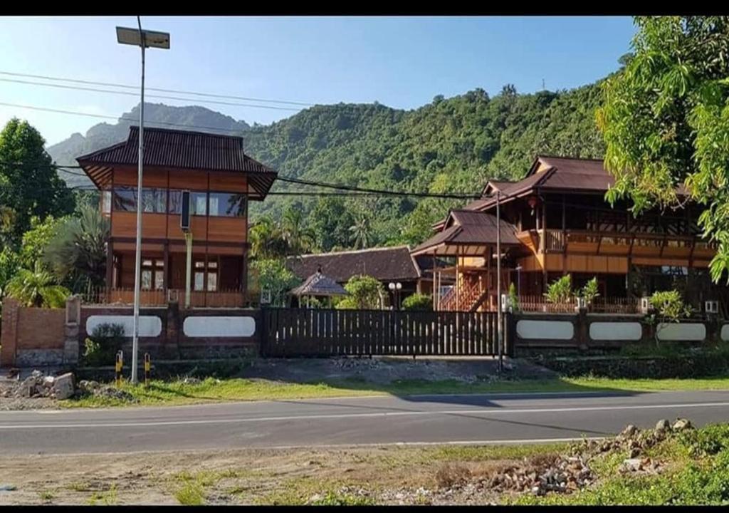 Отель  HOTEL PESONA BULAN BARU - Senggigi  - отзывы Booking