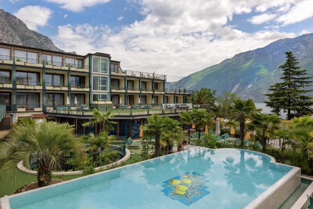 Отель Hotel Alexander - отзывы Booking