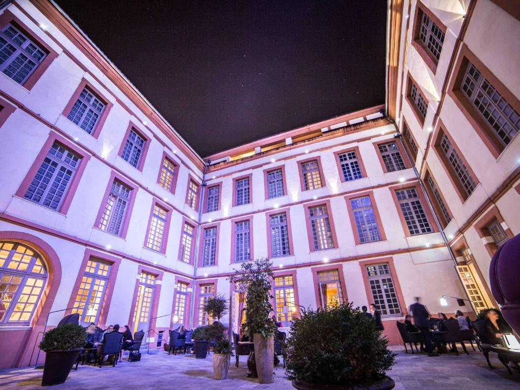 Отель  La Cour des Consuls Hotel and Spa Toulouse - MGallery  - отзывы Booking