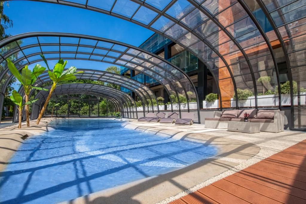 Отель  Port 21 Pura Pool & Design Hotel - Adults Only  - отзывы Booking