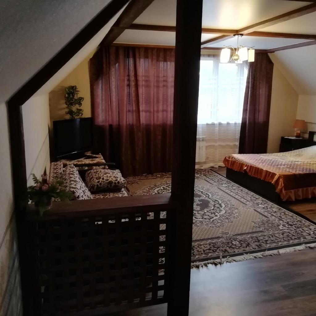 Апартаменты/квартира Мансарда дома у озера - отзывы Booking