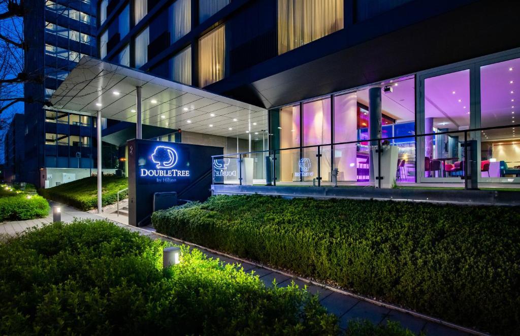 Отель  Отель  DoubleTree By Hilton Frankfurt Niederrad