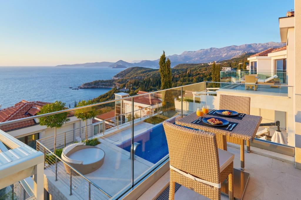 Курортный отель  ĀNANTI Resort, Residences & Beach Club  - отзывы Booking