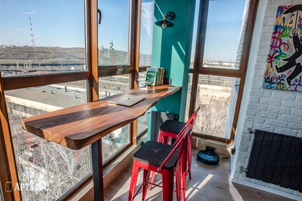 Апартаменты/квартира  Артхаус апартаменты с видом на Мамаев Курган  - отзывы Booking