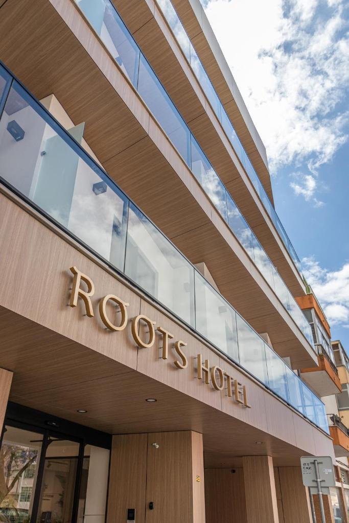 Апарт-отель  Roots Hotel