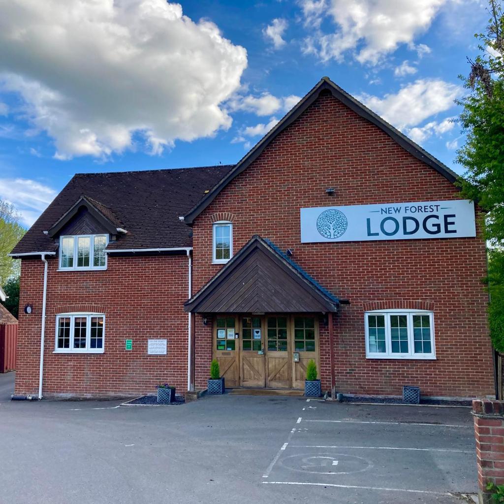 Гостевой дом  New Forest Lodge  - отзывы Booking