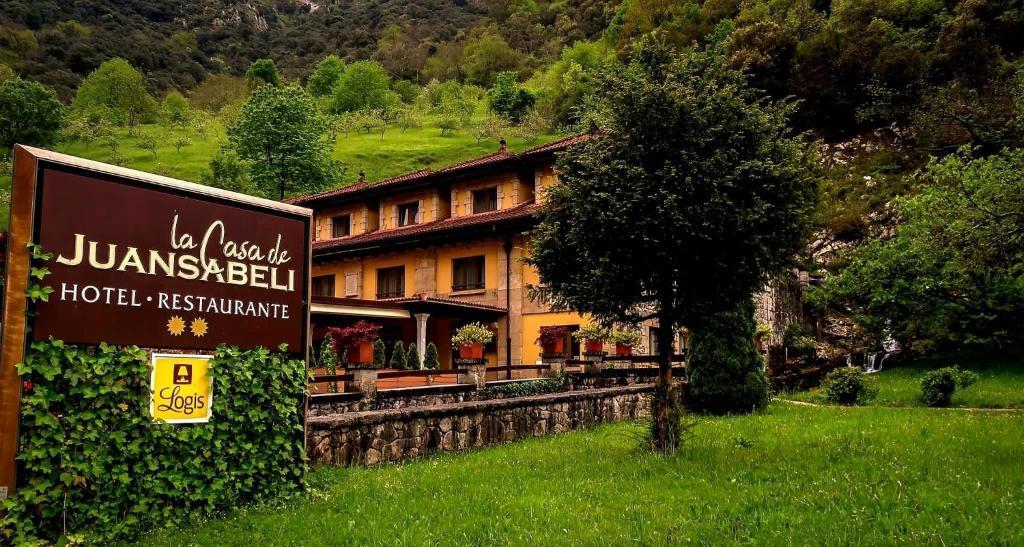 Отель  Logis Hotel Restaurante La Casa De Juansabeli