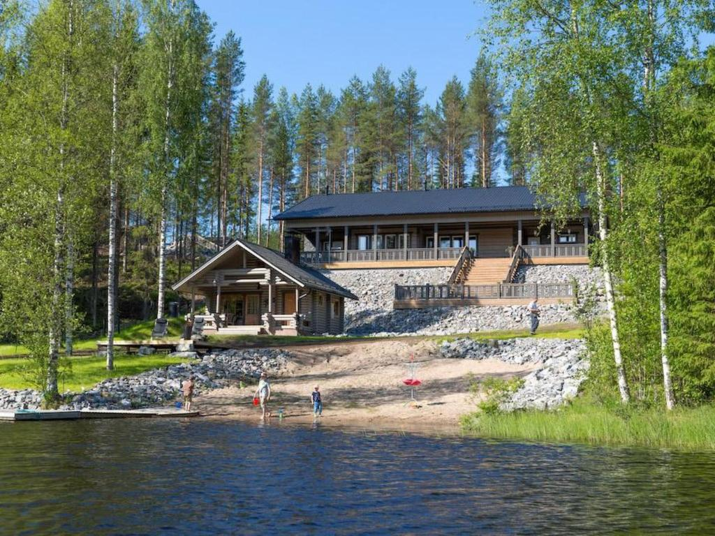 Дом для отпуска  Holiday Home Kivipirtti