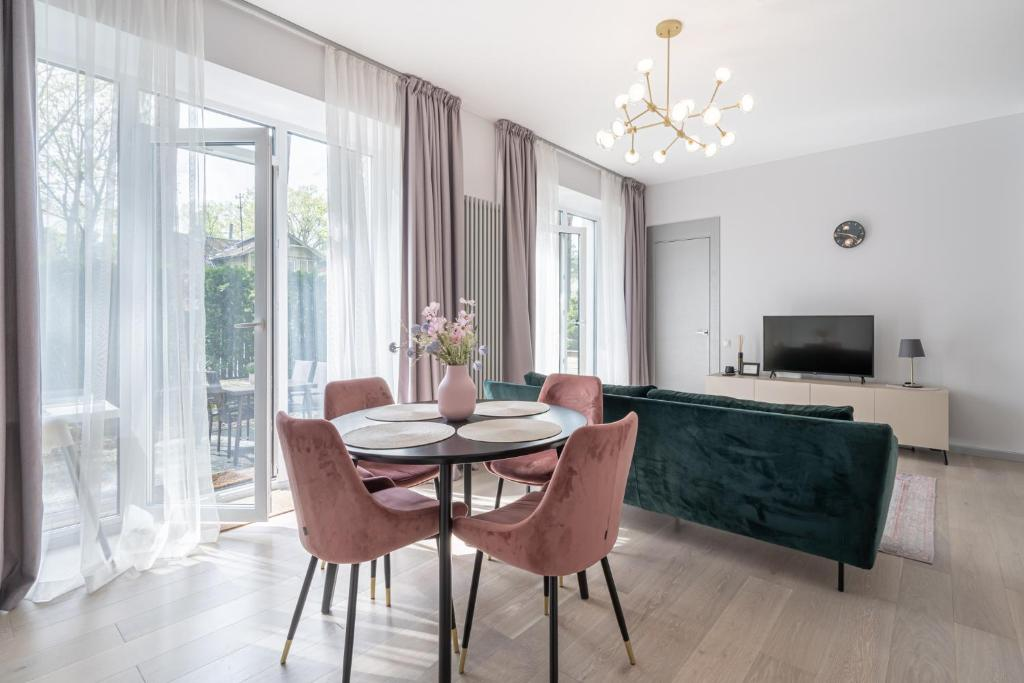 Апартаменты/квартира  Brand new apartment with terrace near the sea  - отзывы Booking